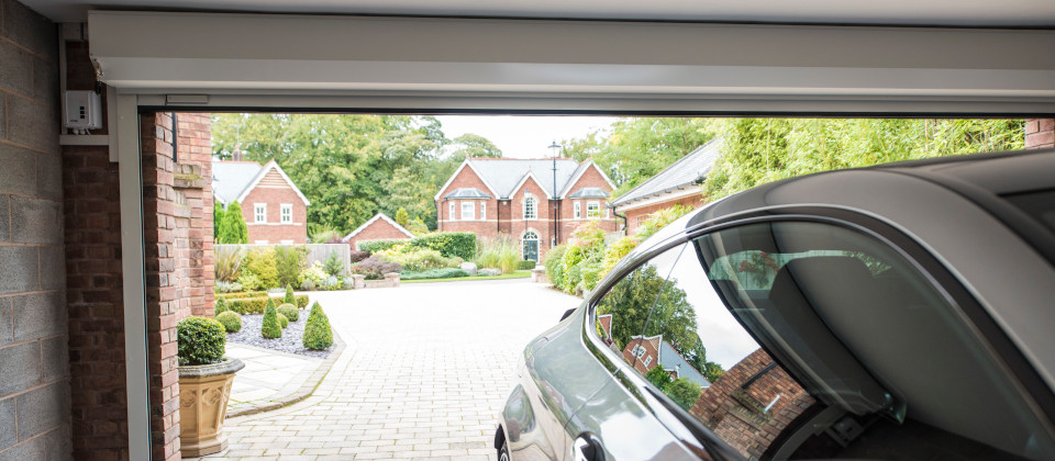 An image of Aluminium Roller Garage Doors for Security and Great Looks goes here.