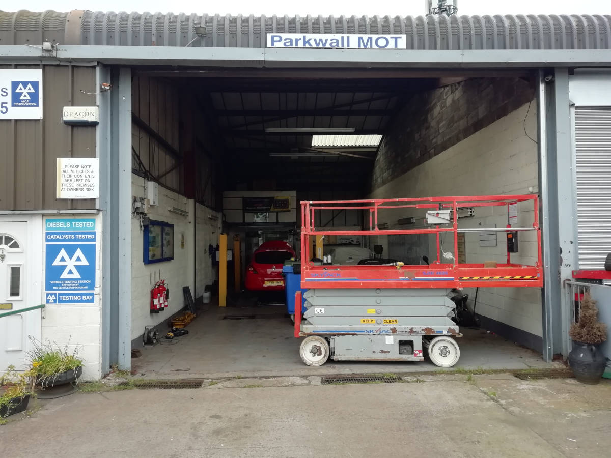 Image of New Security Roller Door for Parkwall MOT in Crick, Caldicot
